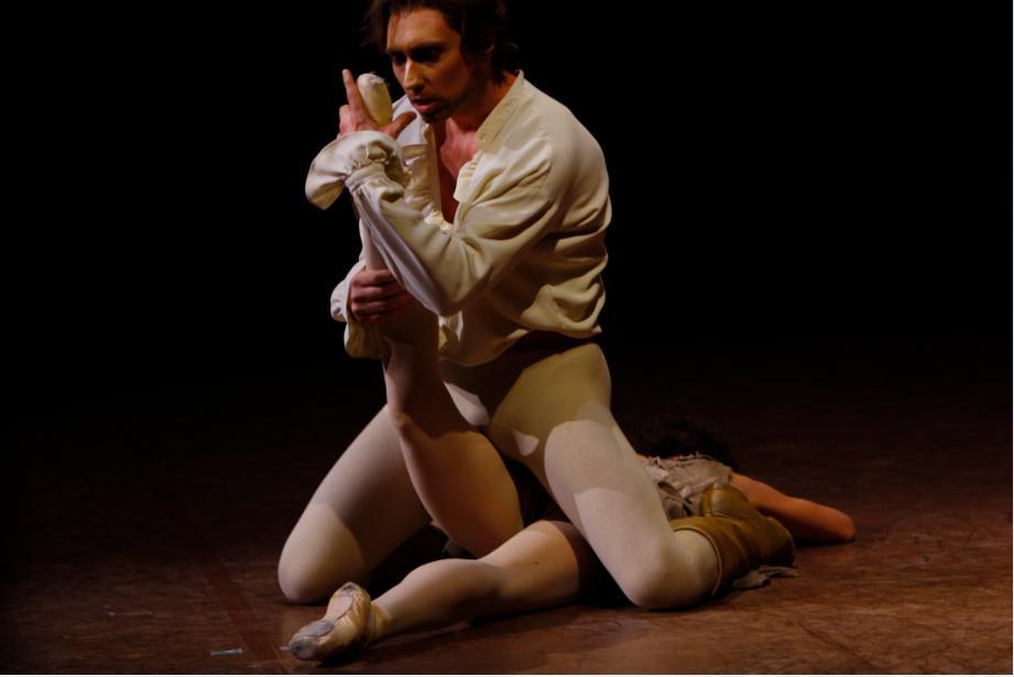 Bennet Gartside in Manon