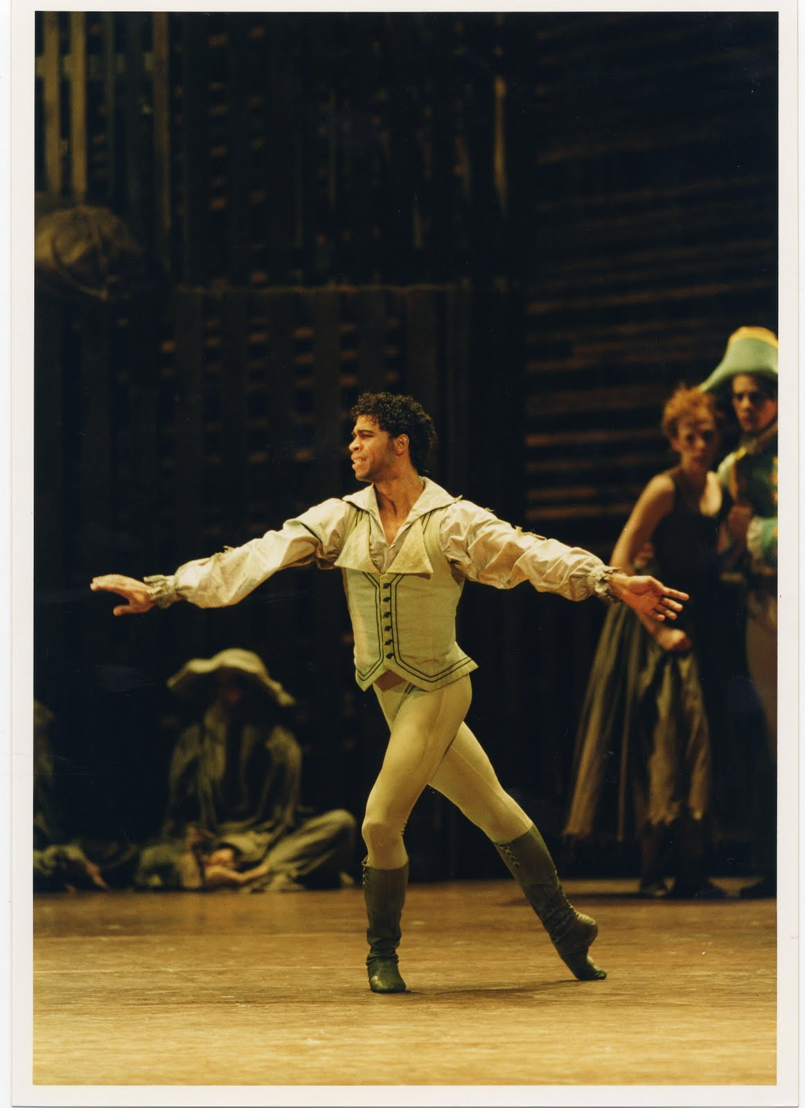 Carlos Acosta as Des Grieux in The Royal Ballet's Manon, Photograph :  Bill Cooper