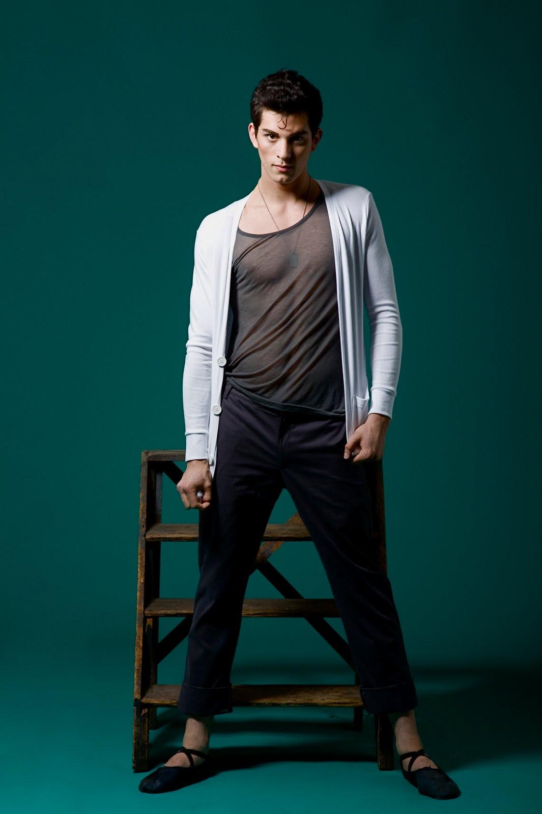 Dylan Gutierrez, Photograph : Maria Ponce (Joffrey Ballet)
