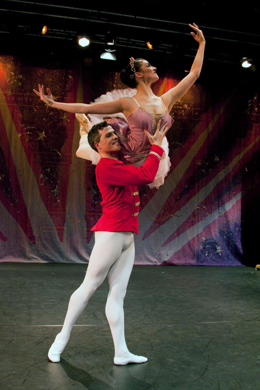 Ballet theatre uk on tour ballet news straight from for Floor nutcracker