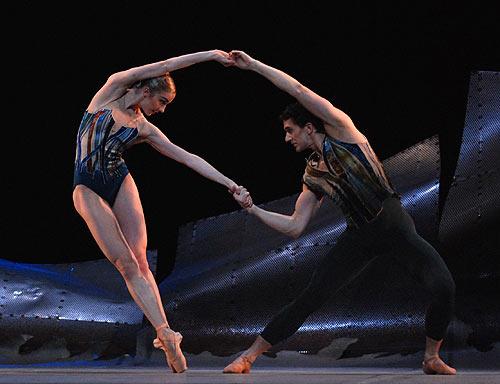 Nathalie Harrison and Gary Avis in Christopher Wheeldon's DGV for The Royal Ballet