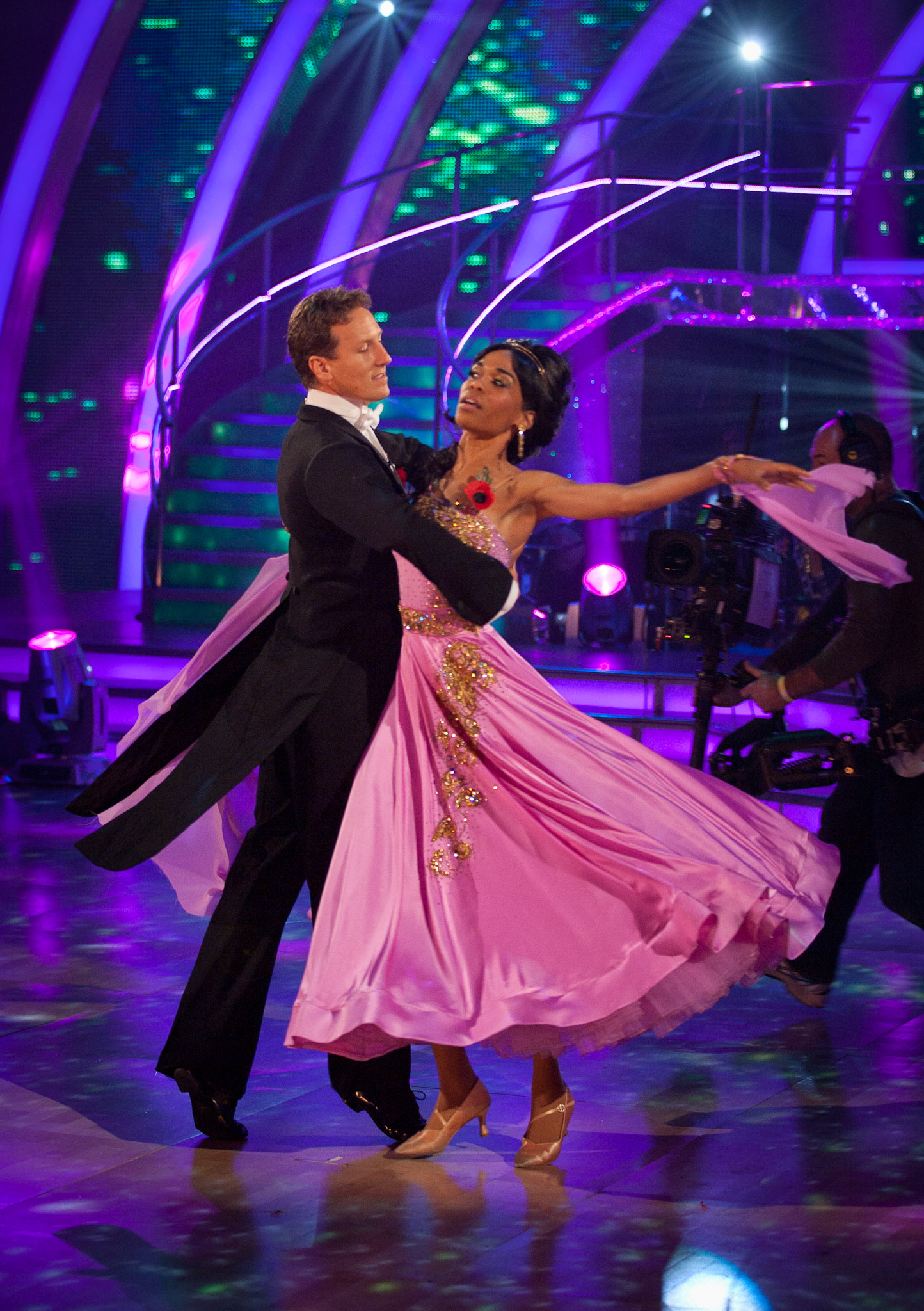 765b9017dd5058 *STRICTLY EMBARGOED FOR USE ONLINE OR IN PRINT BEFORE 18:15HRS ON SATURDAY  6TH NOVEMBER 2010* PICTURE SHOWS: Michelle Williams and Brendan Cole DANCE:  Waltz ...