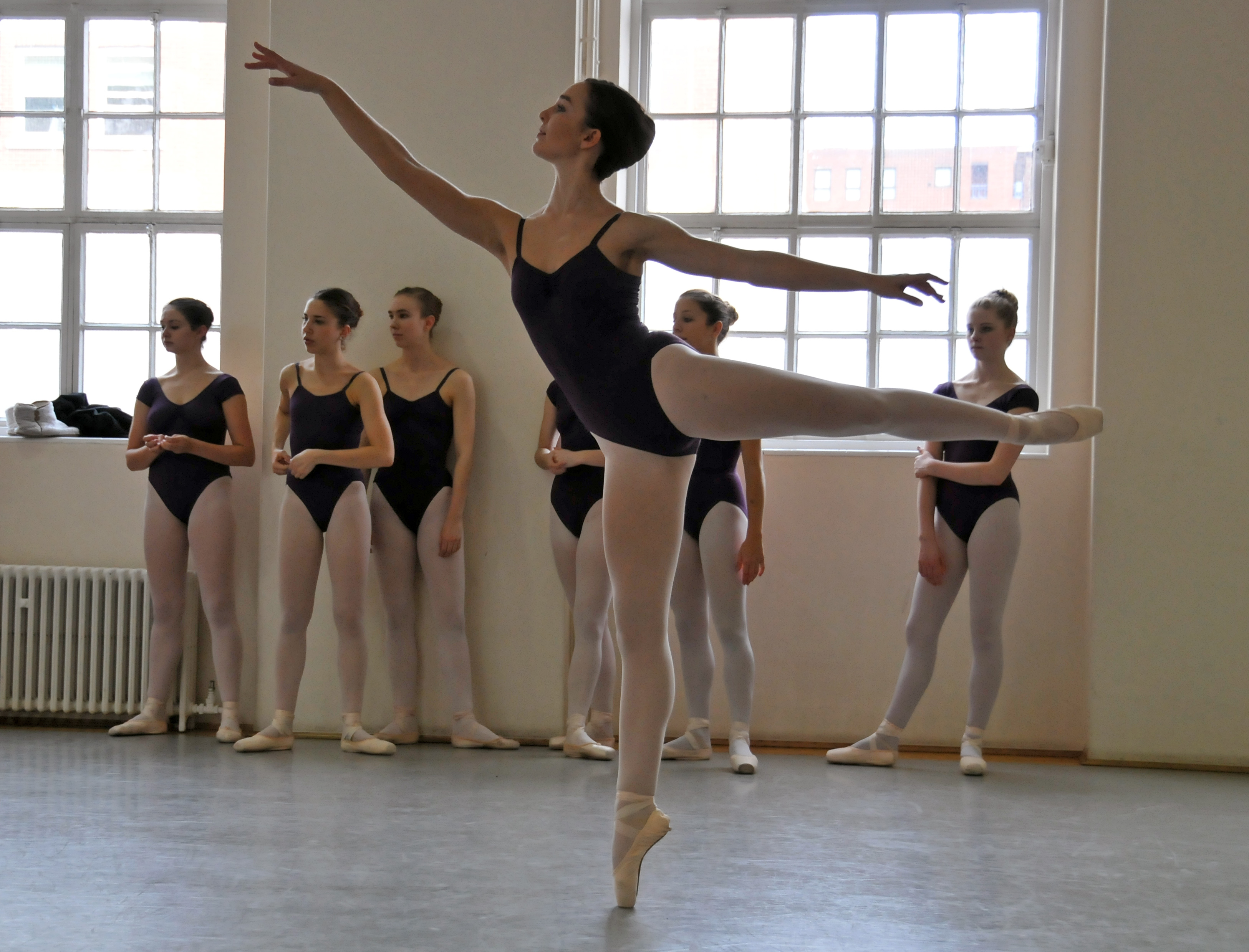 Ellie, ballet school, class, barrre, pointe