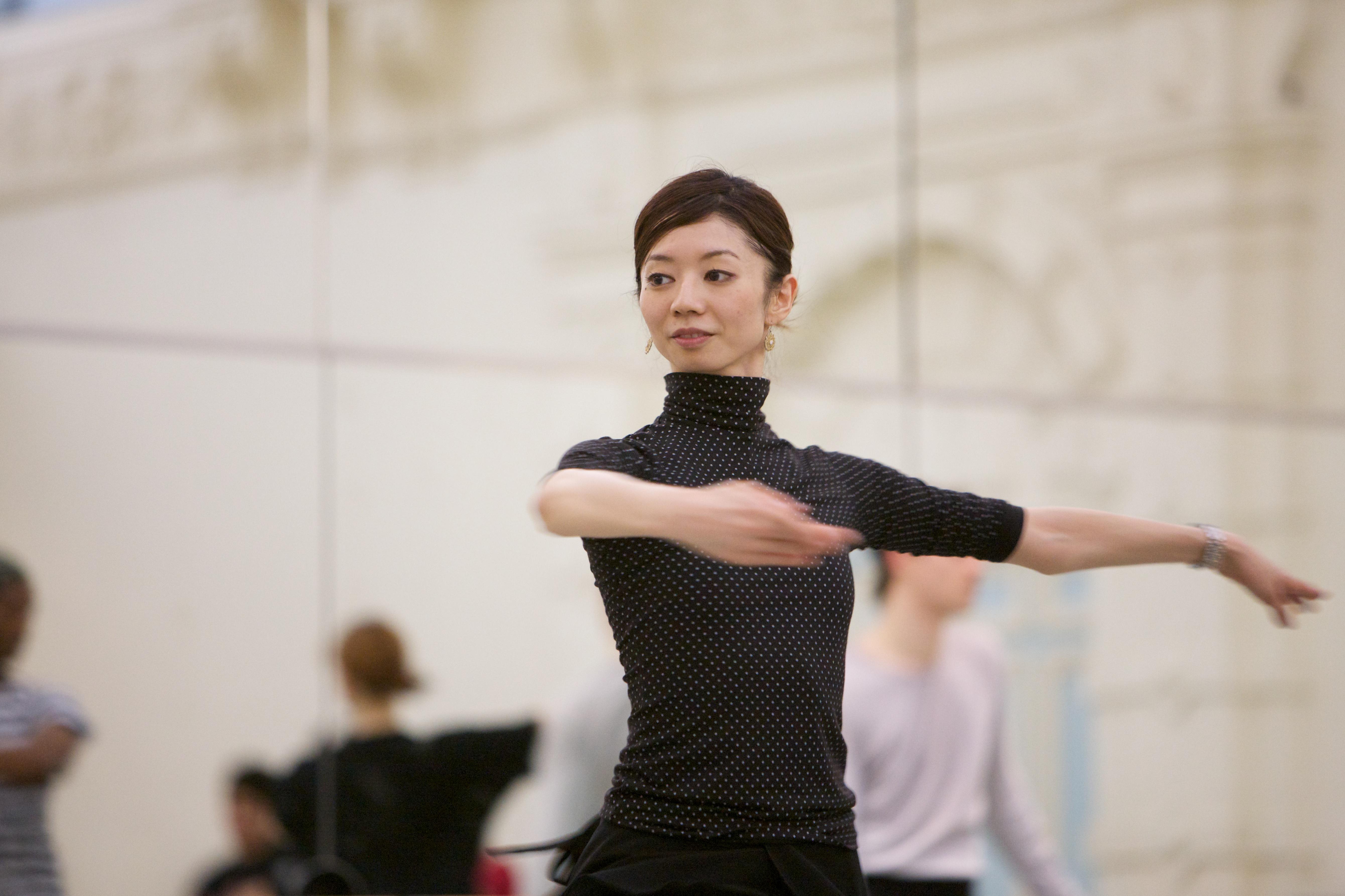 dancer rehearsing