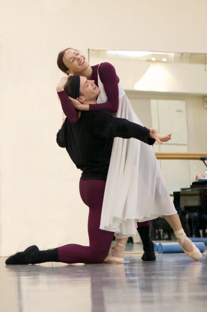 two ballet dancers rehearsing