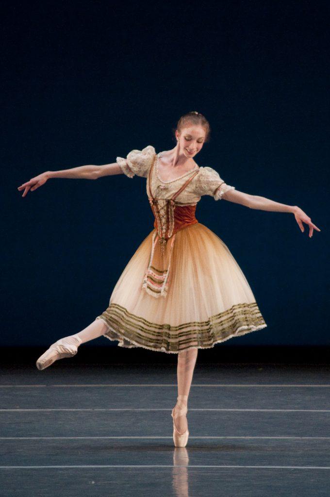 ballet dancers on stage - photo #22