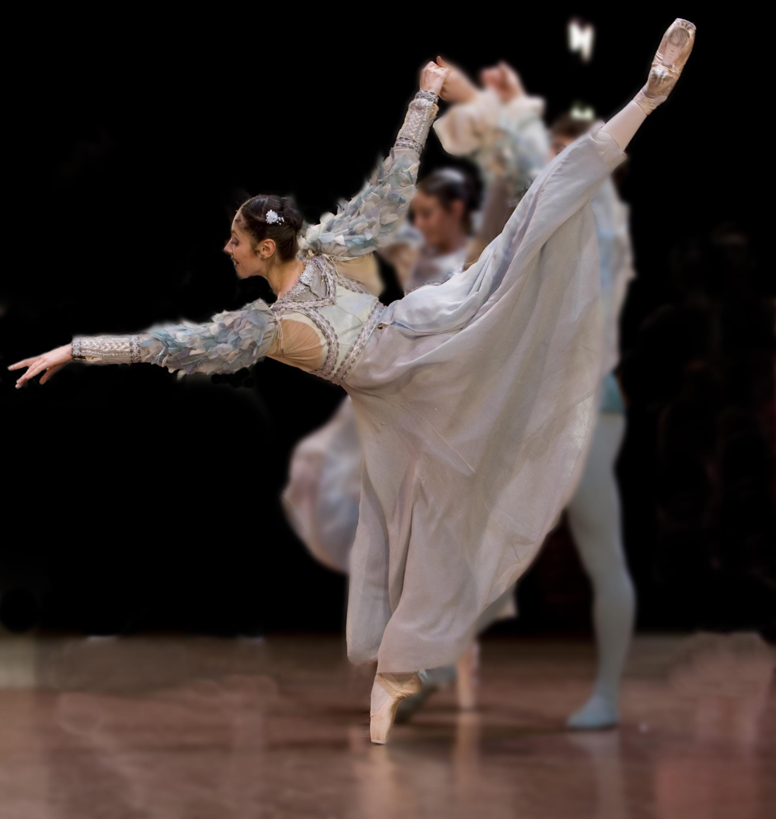 dancer in arabseque