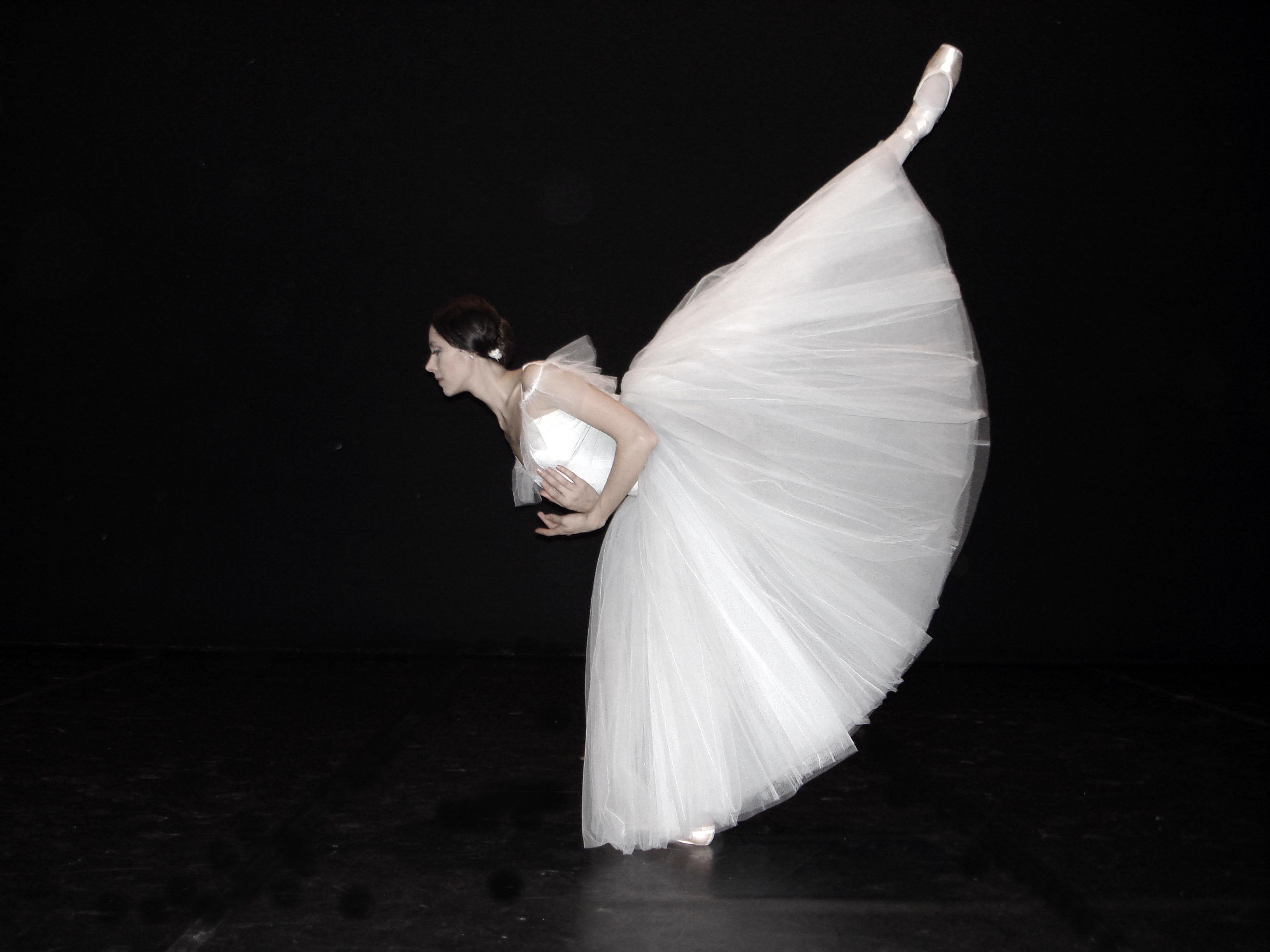 dancer in arabesque in Giselle