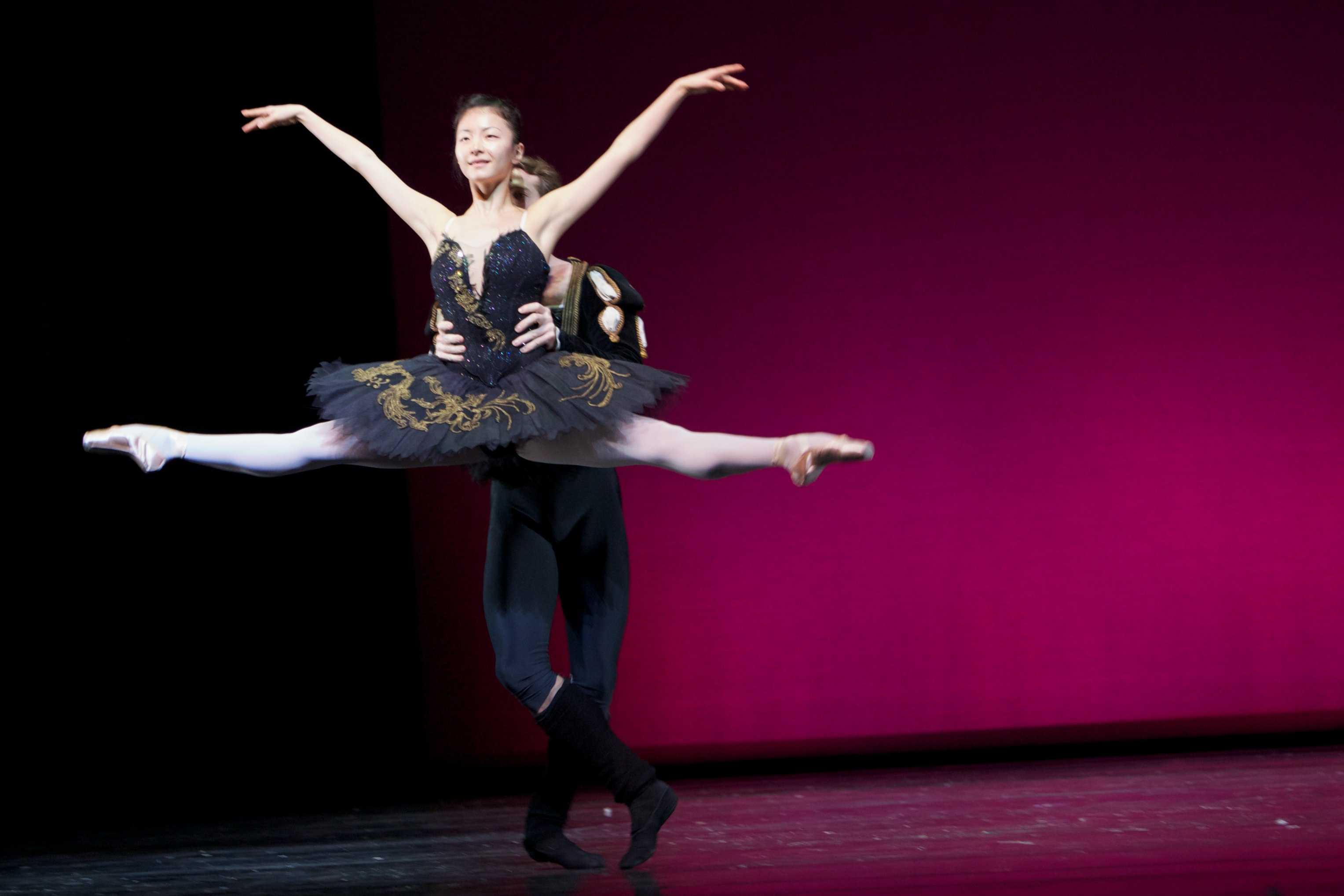 dancer in jete in Black tutu