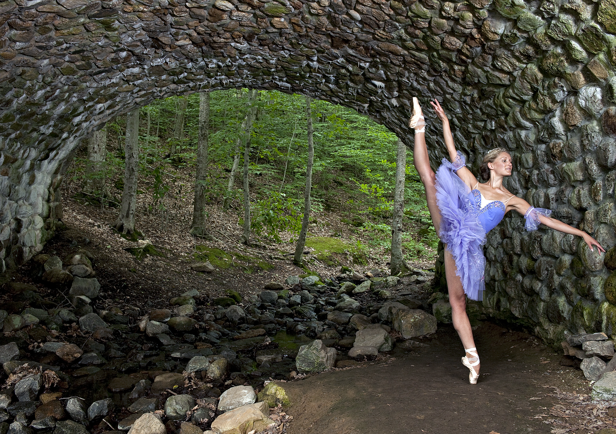 ballet dancer on pointe