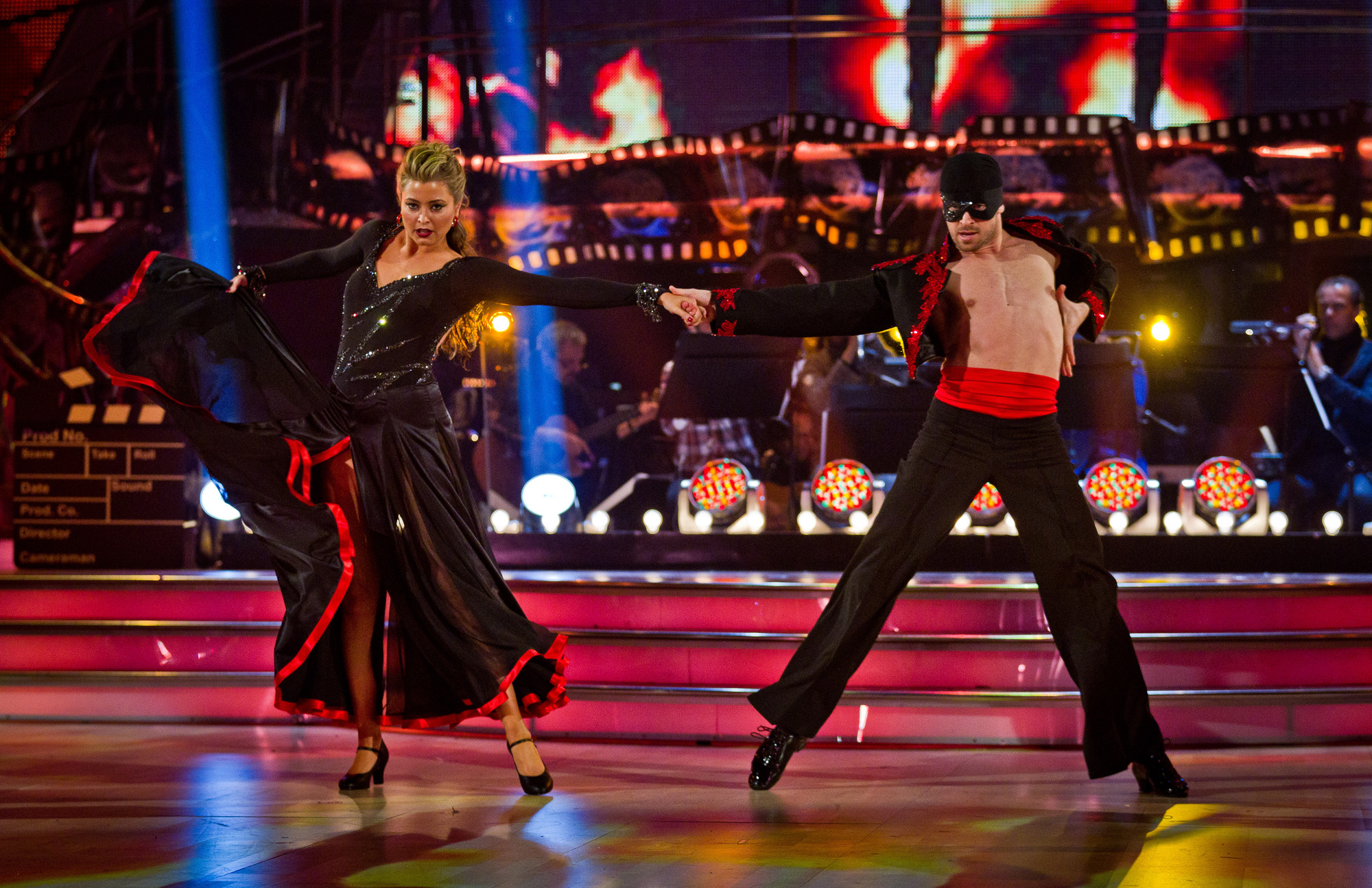 Holly Valance and Artem Chigvintsev dancing on Sitrctly