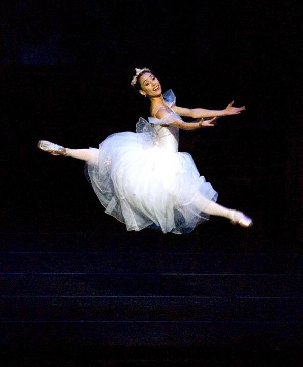 ballet dancer jete