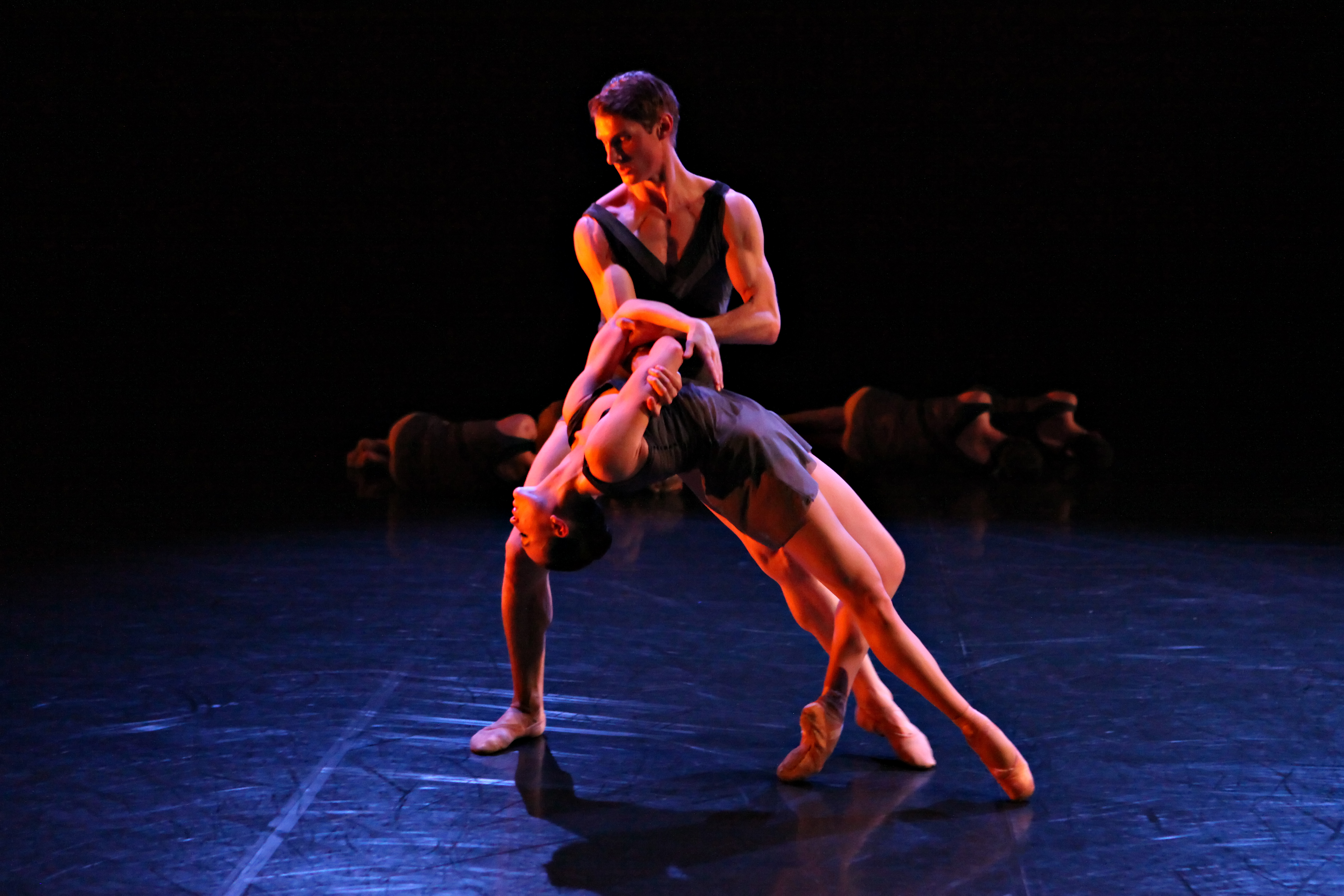 Rachael Walsh  Keian Langdon in Gareth Belling's Transition Sequence  photo by Ken Sparrow