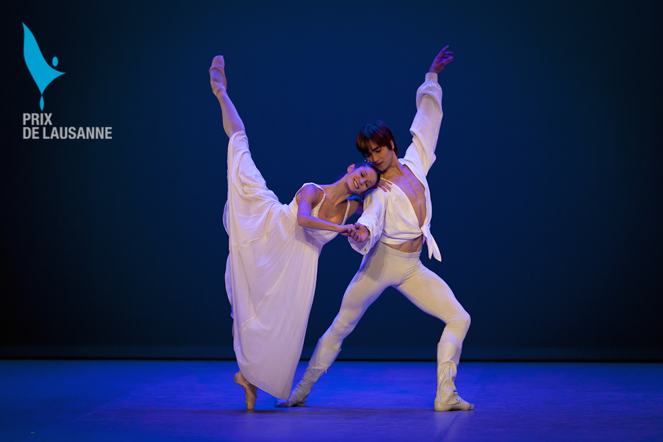 two ballet dancers in Romeo and Juliet