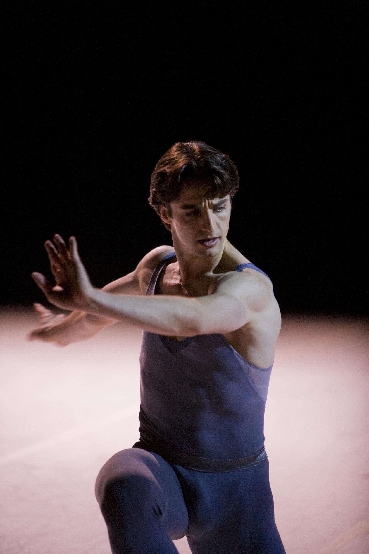Ruben Martin Cintas in Tomasson's The Fifth Season.© Erik Tomasson