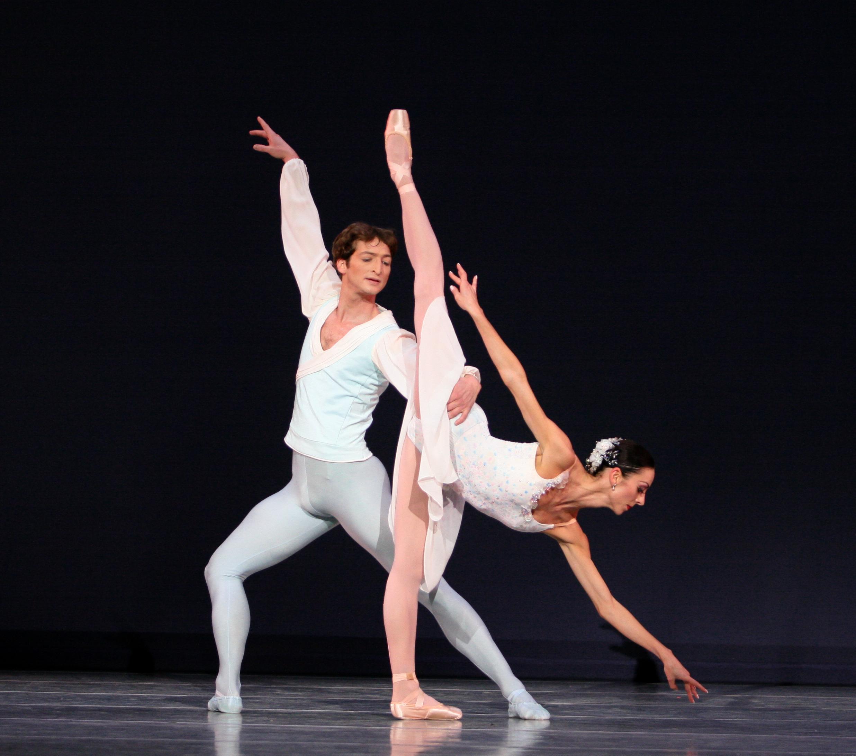 Pennsylvania Ballet Principal Dancers Amy Aldridge and Zachary Hench in Ballo della Regina, choreography by George Balanchine © The George Balanchine Trust. Photo: Alexander Iziliaev.