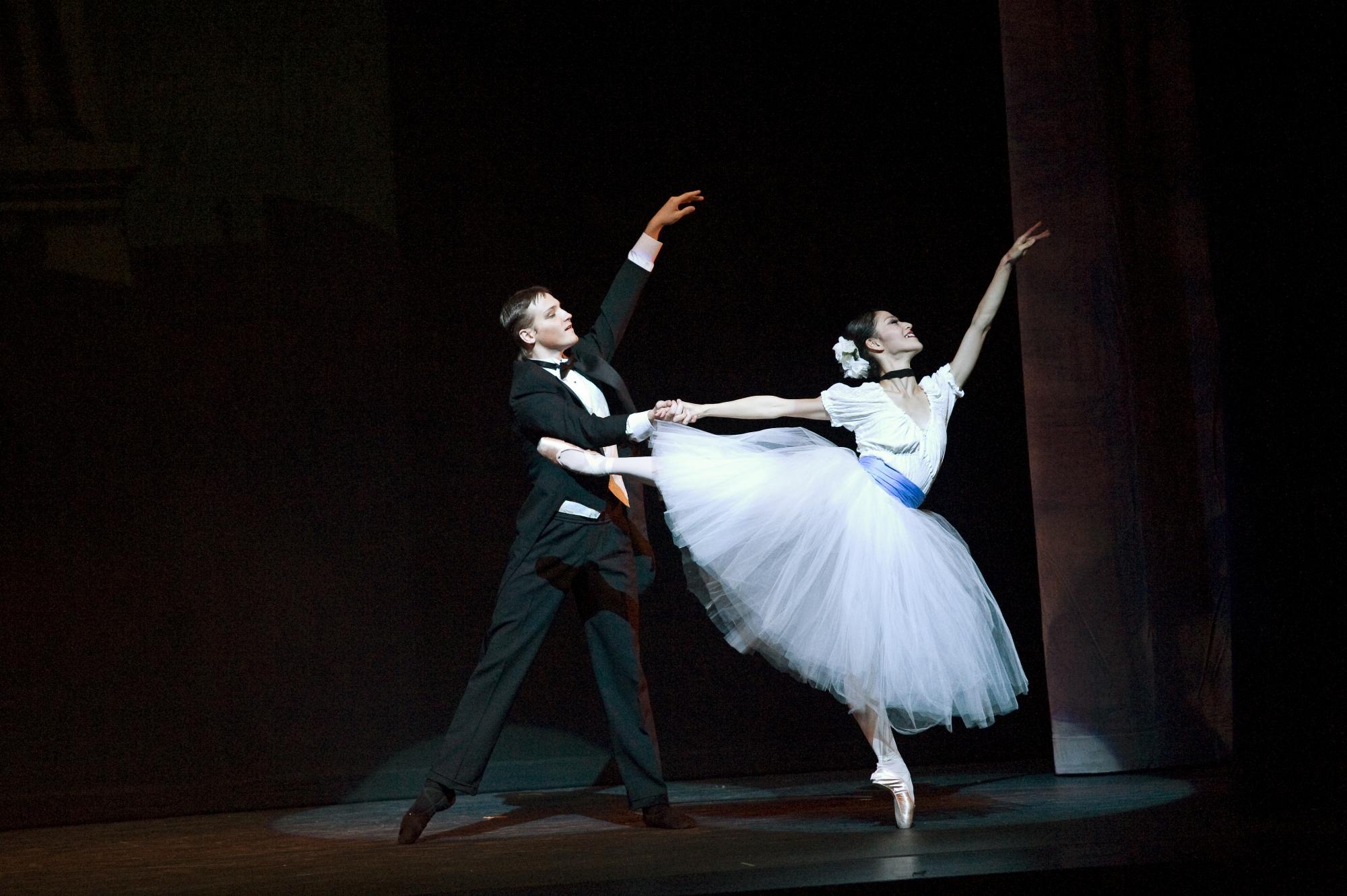 two ballet dancers in Phantom