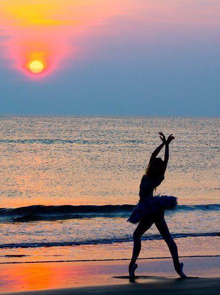 Sunset ballerina... on Pinterest | Ballet, Sunsets and ...