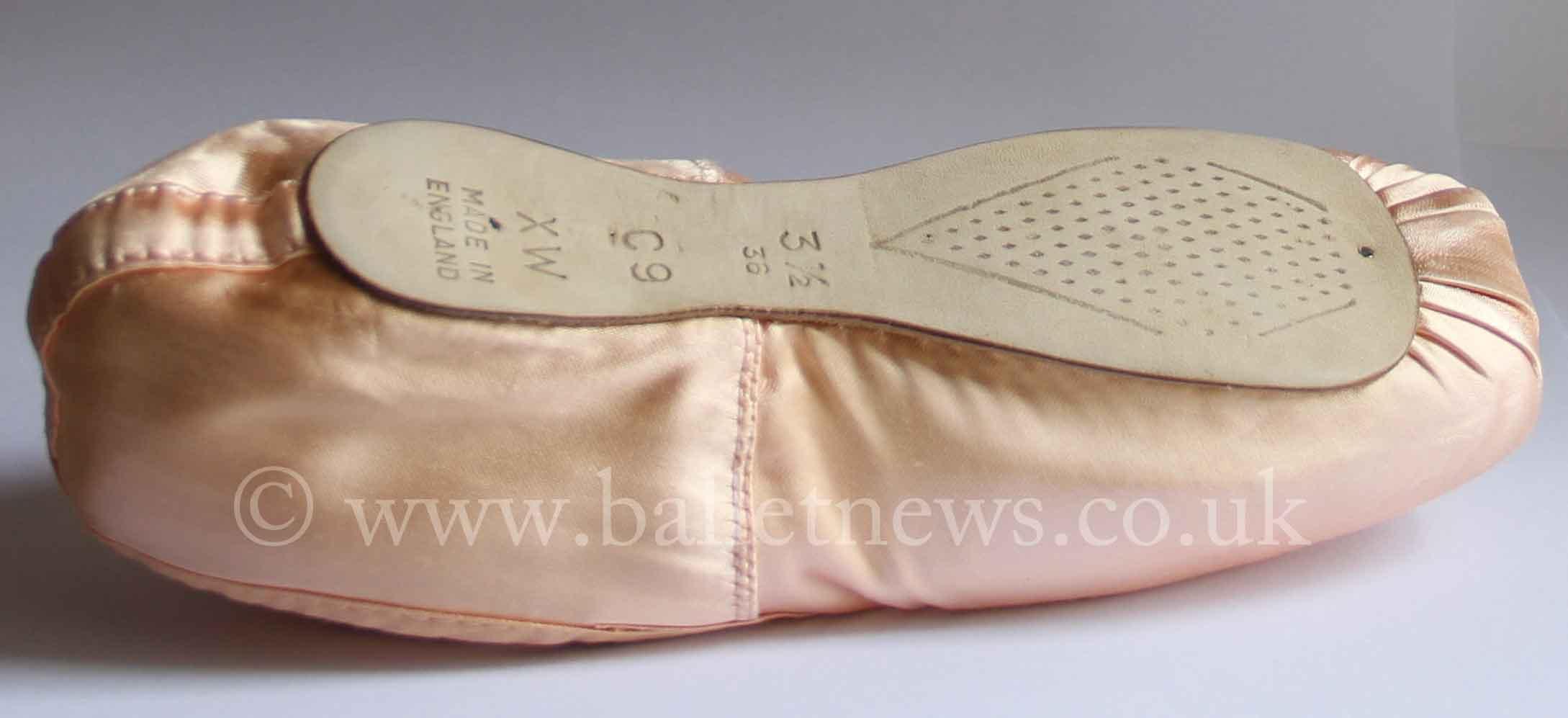 one ballet pointe shoe
