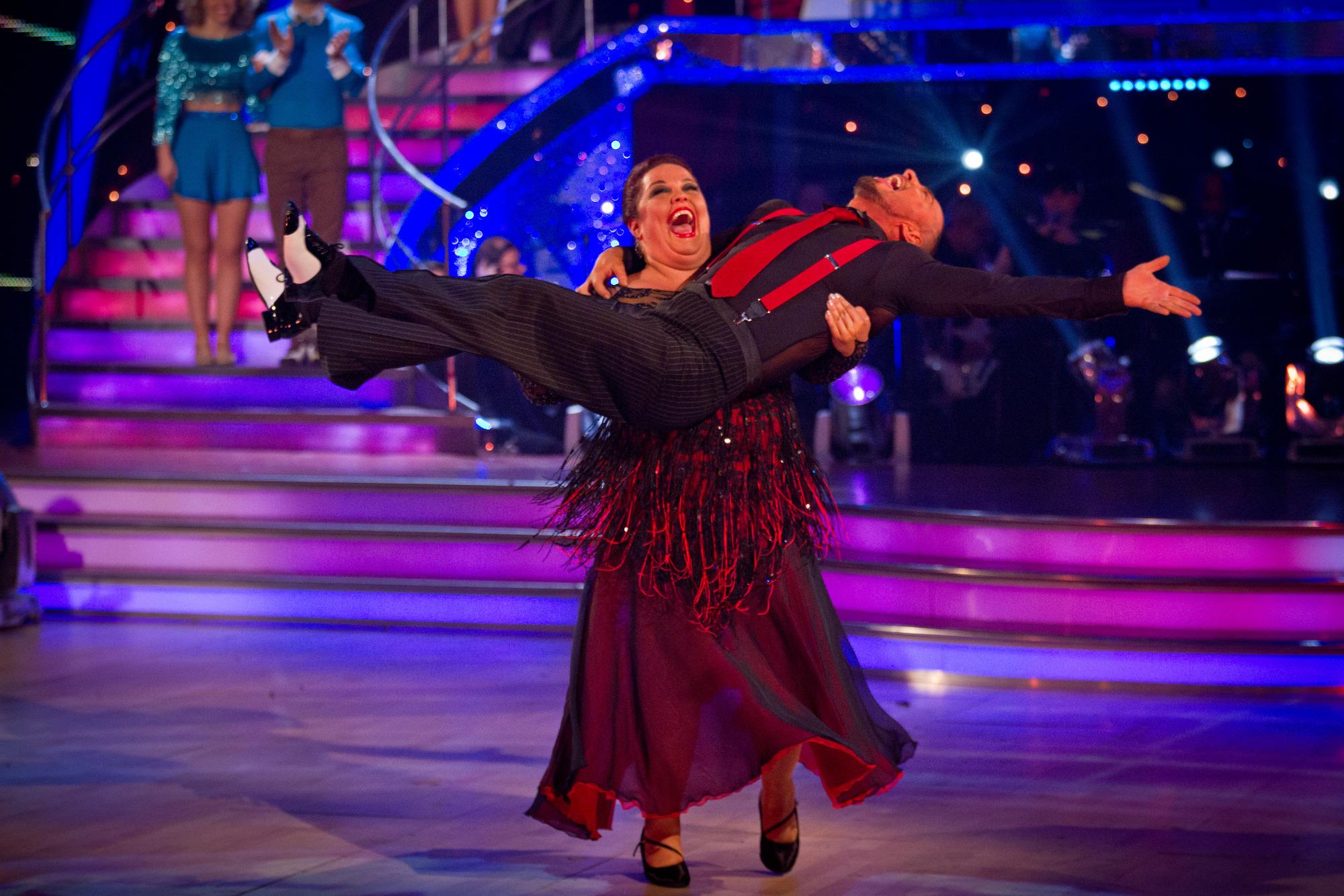 Robin Windsor, Lisa Riley - (C) BBC - Photographer: Guy Levy