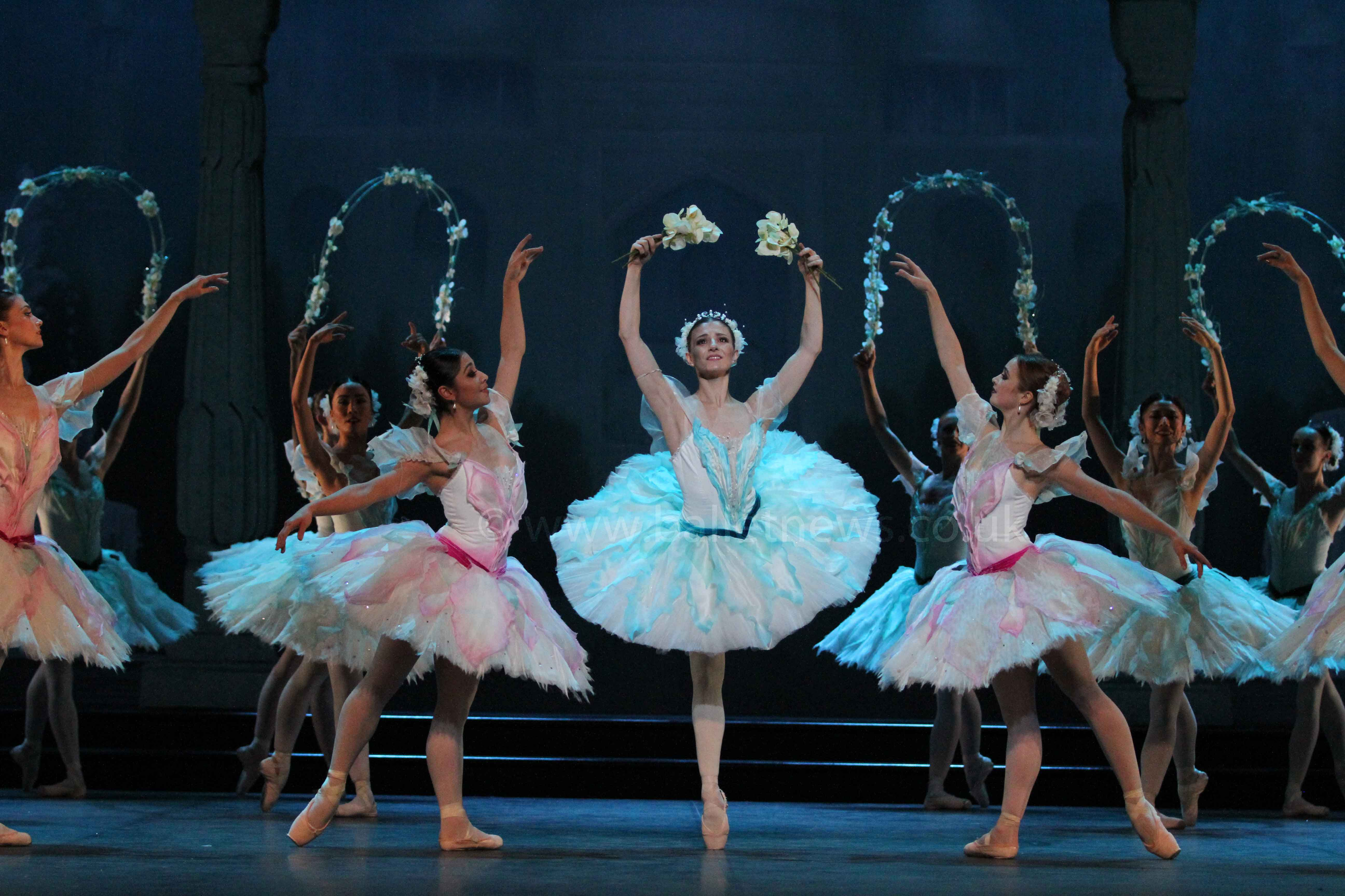 Le Corsaire. English National Ballet. Photograph : Cheryl Angear