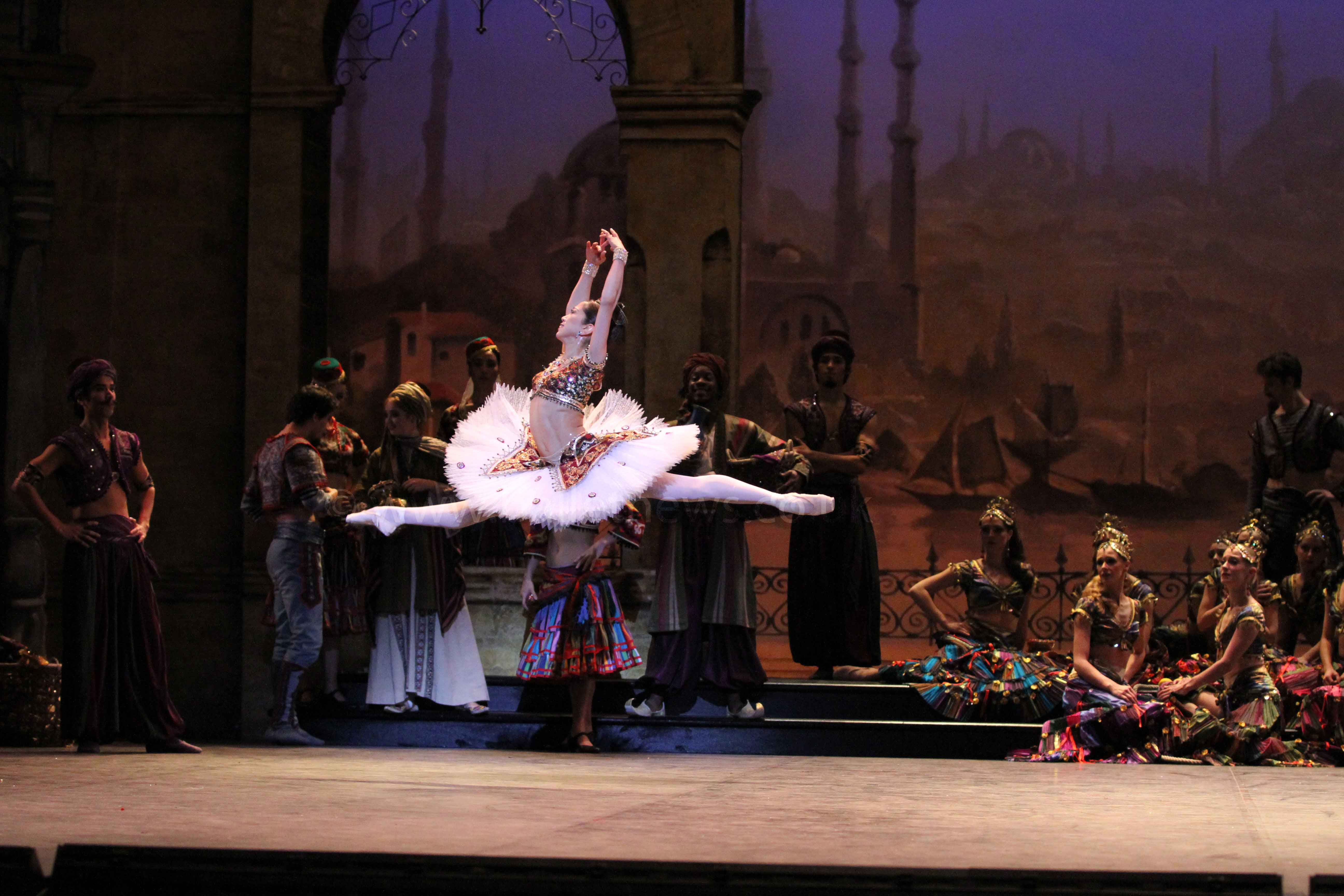 English National Ballet's Le Corsaire. Photograph : Cheryl Angear