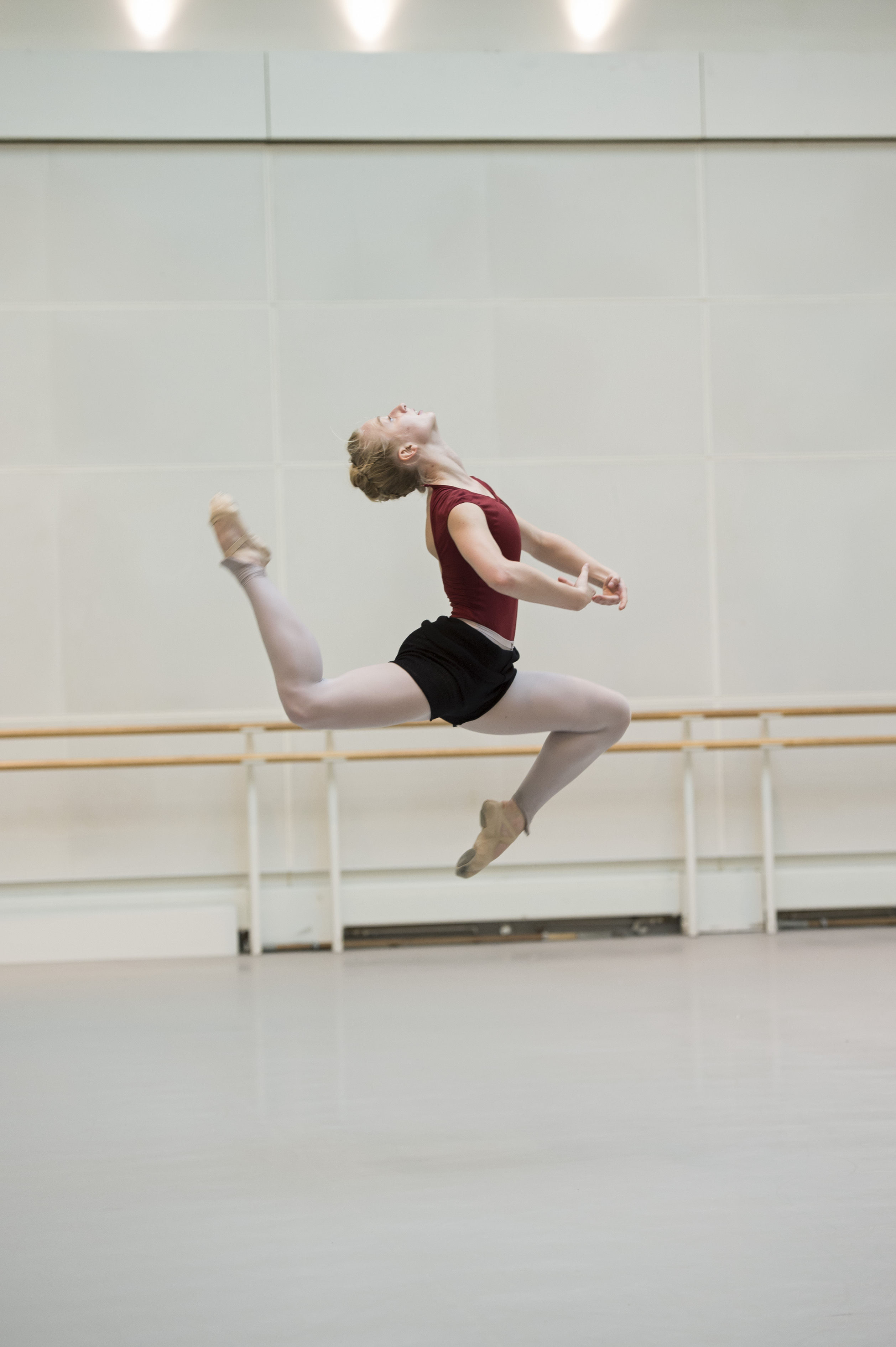 Claudia Dean in rehearsal for Rite of Spring. Photograph : © Bill Cooper / ROH