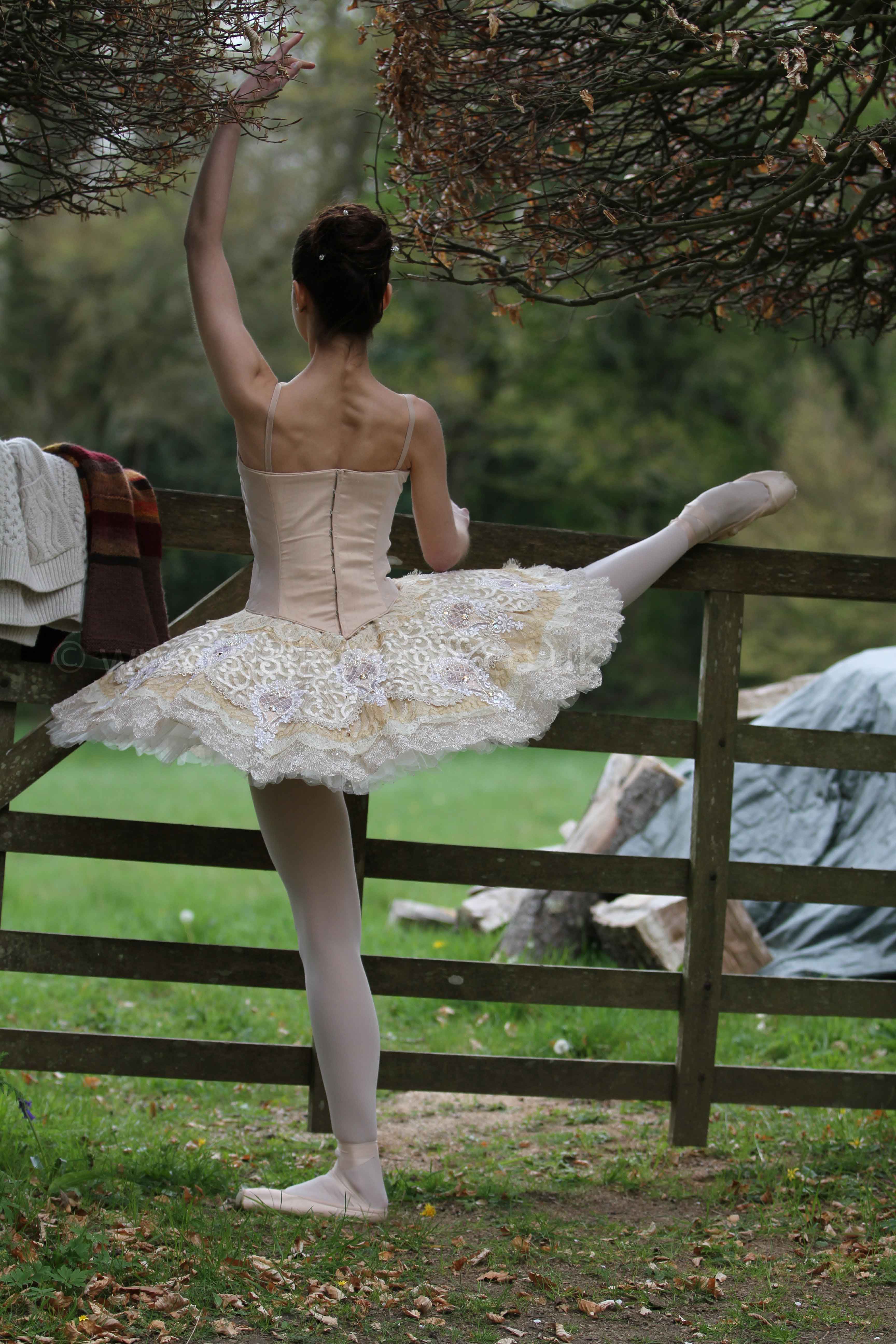 Prisca Bertoni photographed on location for Ballet News by Cheryl Angear