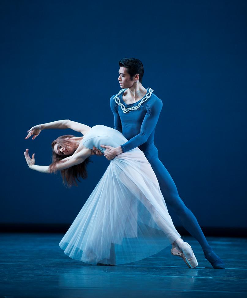 Ryoichi Hirano and Marianela Nuñez in Serenade   ©ROH / Tristram Kenton, 2014