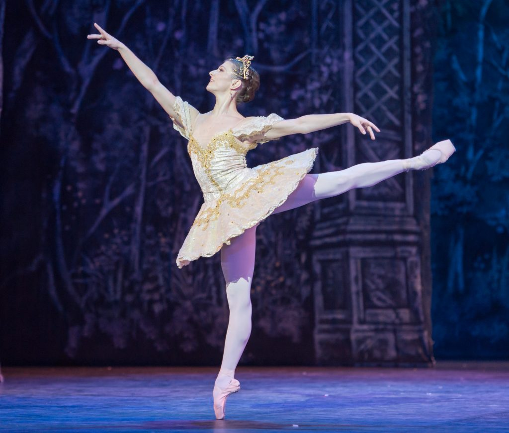 Alina Cojacaru dances the Grand Pas De Deux in English National Ballet's Nutcracker.  Photo: Arnaud Stephenson